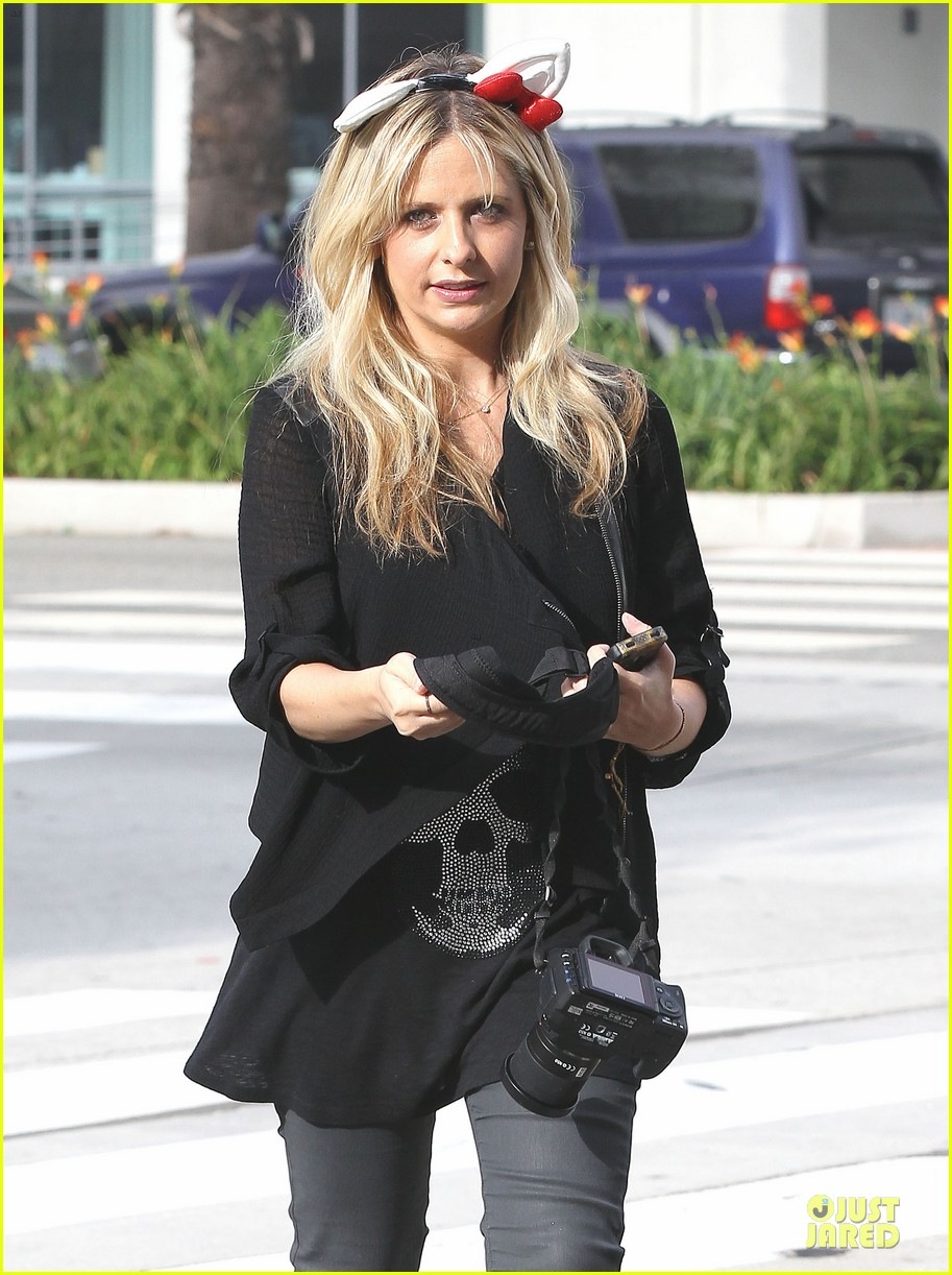 sarah michelle gellar mommy daughter tuesday twosome 14