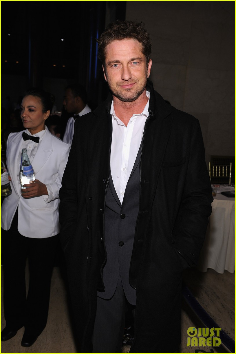 bar refaeli gerard butler angel ball 2012 03