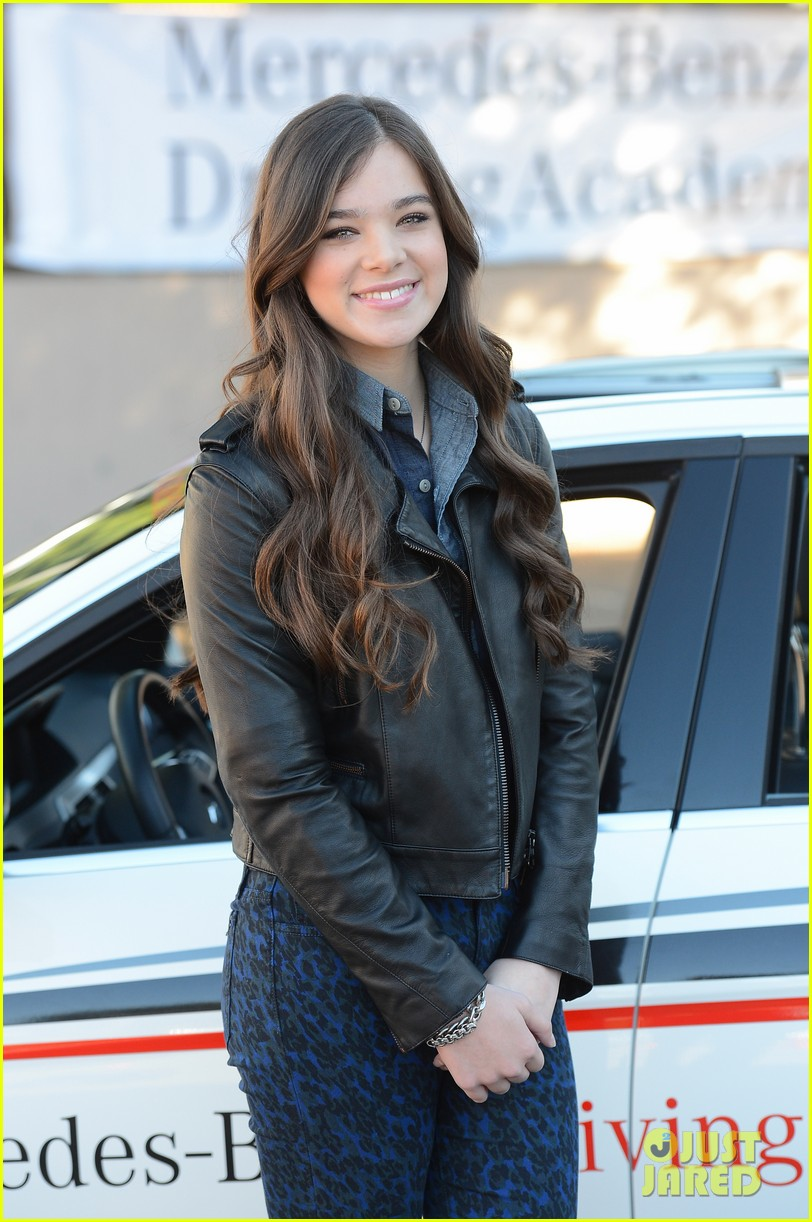 hailee steinfeld national teen driver safety week kick off 04