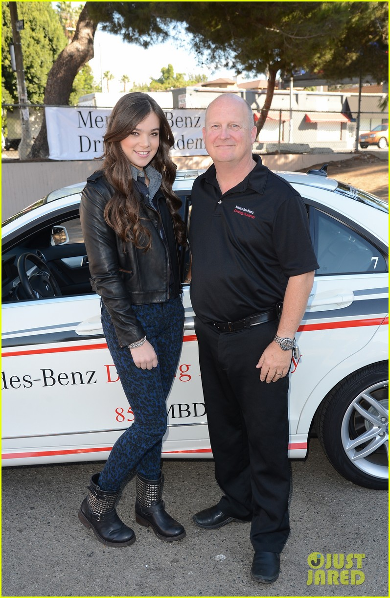 hailee steinfeld national teen driver safety week kick off 06