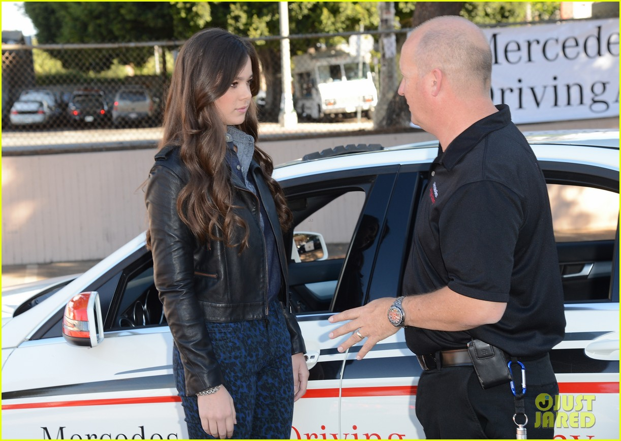hailee steinfeld national teen driver safety week kick off 07