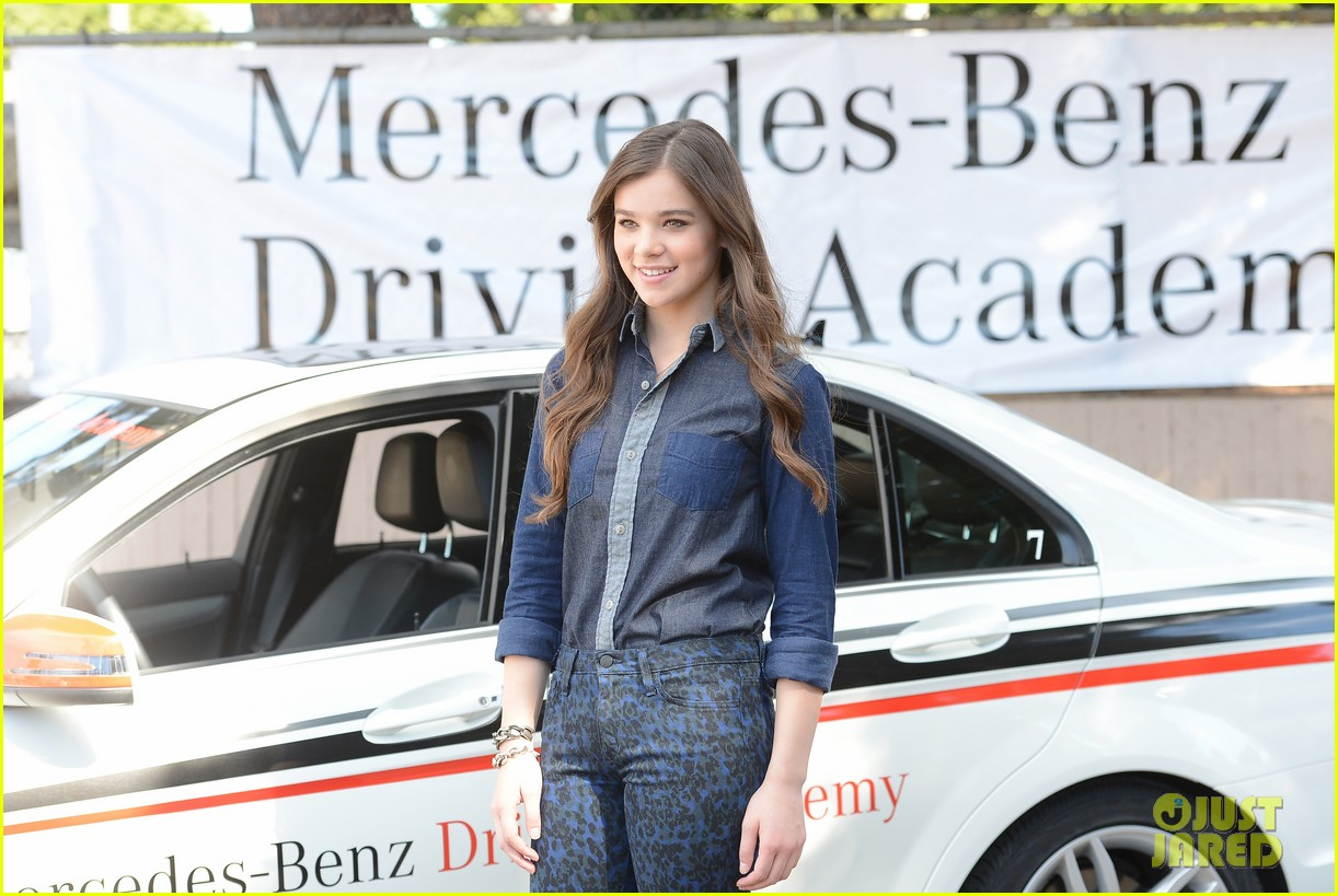 hailee steinfeld national teen driver safety week kick off 162738756