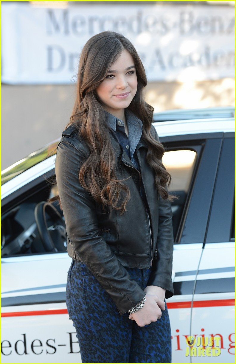 hailee steinfeld national teen driver safety week kick off 22