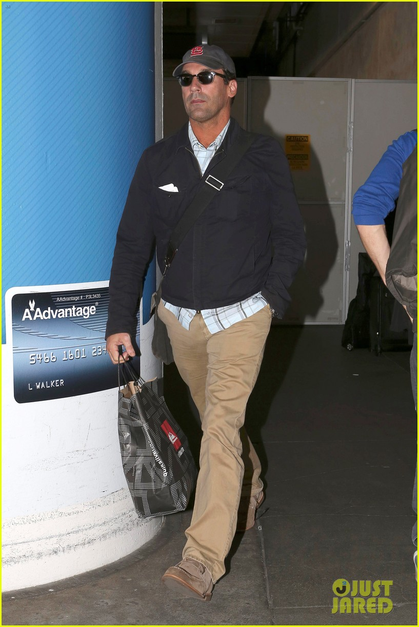 jon hamm back from hawaii 012746901