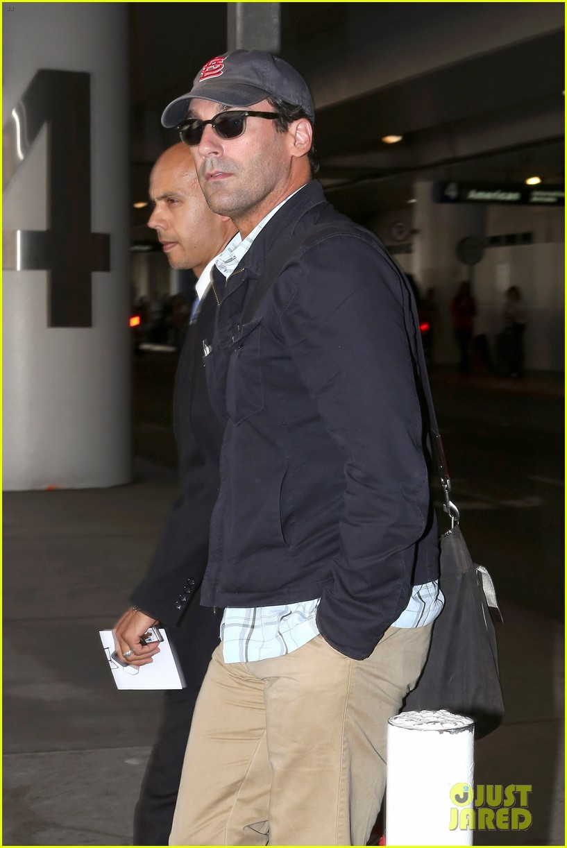 jon hamm back from hawaii 02