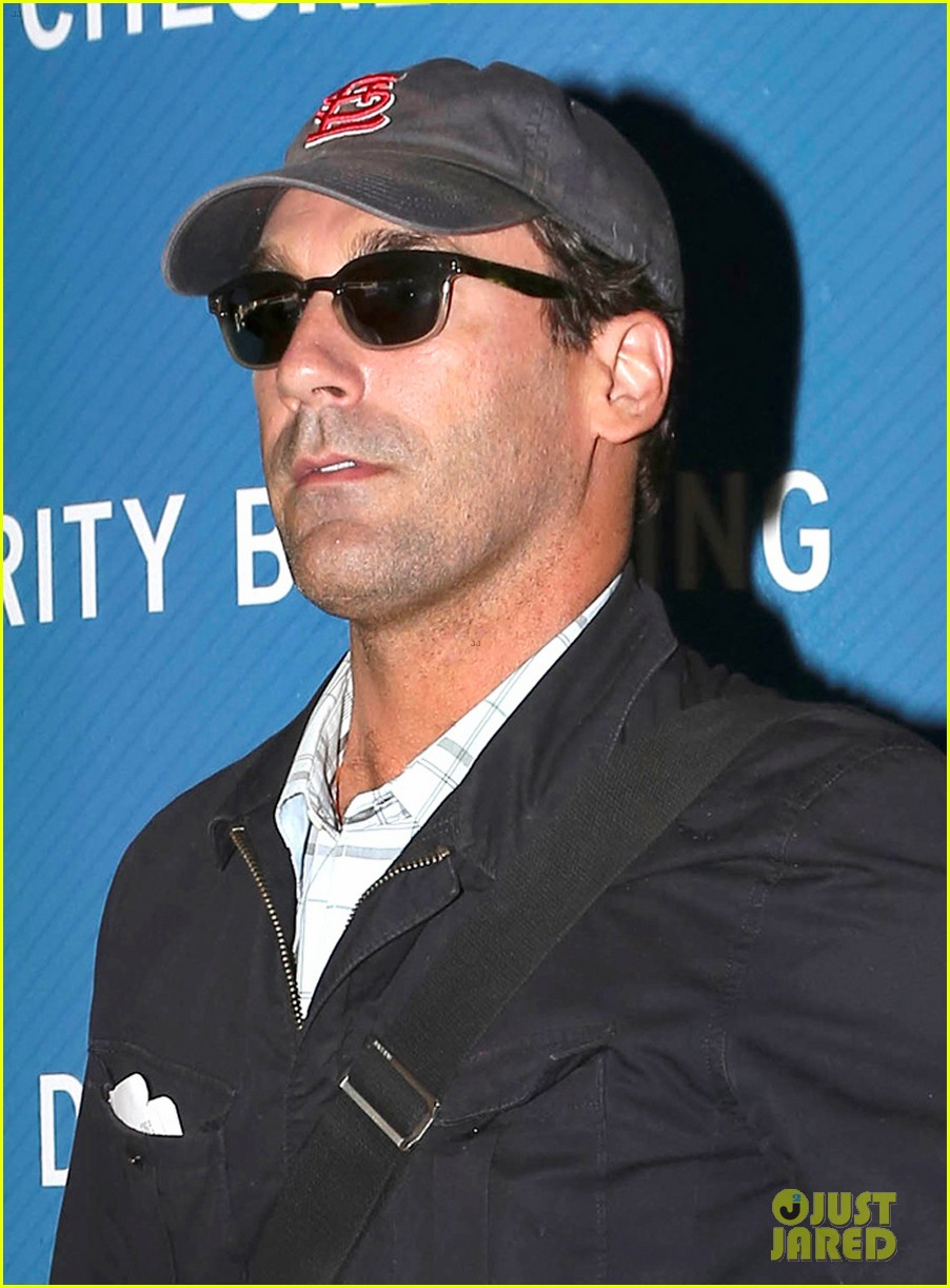 jon hamm back from hawaii 042746904