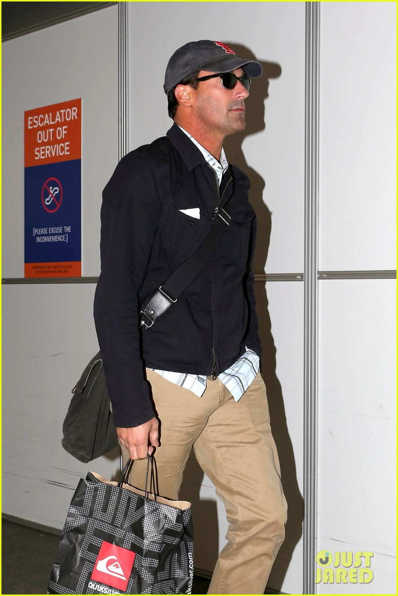 jon hamm back from hawaii 08