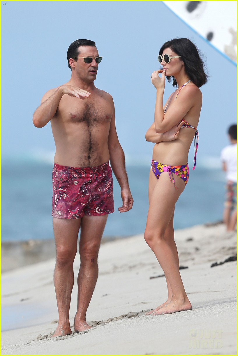 jon hamm shirtless mad men beach scenes in hawaii 20
