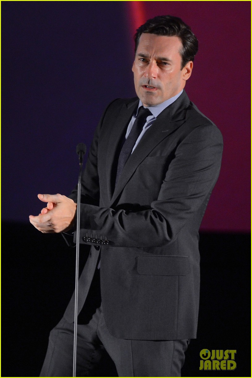jon hamm 2012 key art awards presenter 03