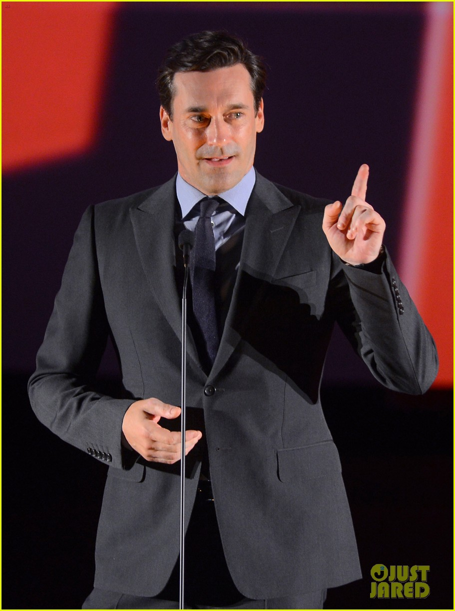jon hamm 2012 key art awards presenter 07