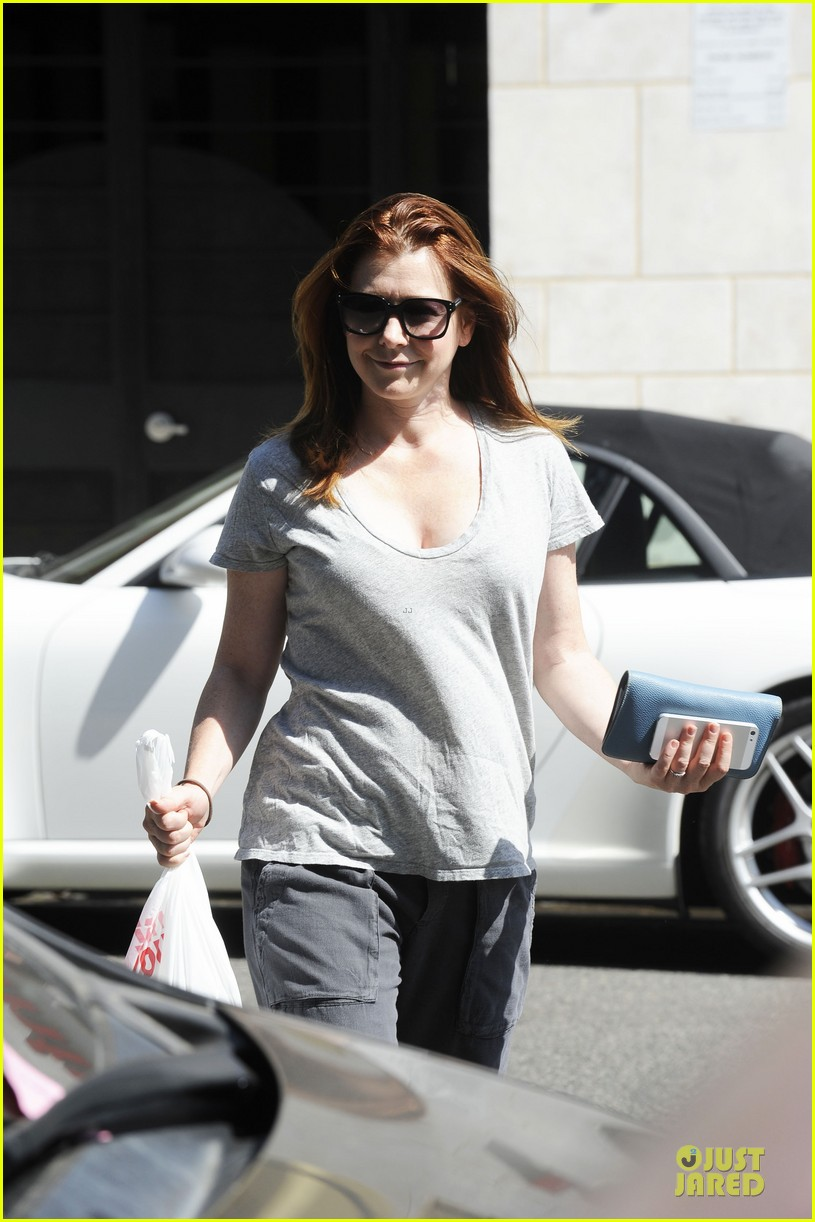 alyson hannigan santa monica fun with the family 06