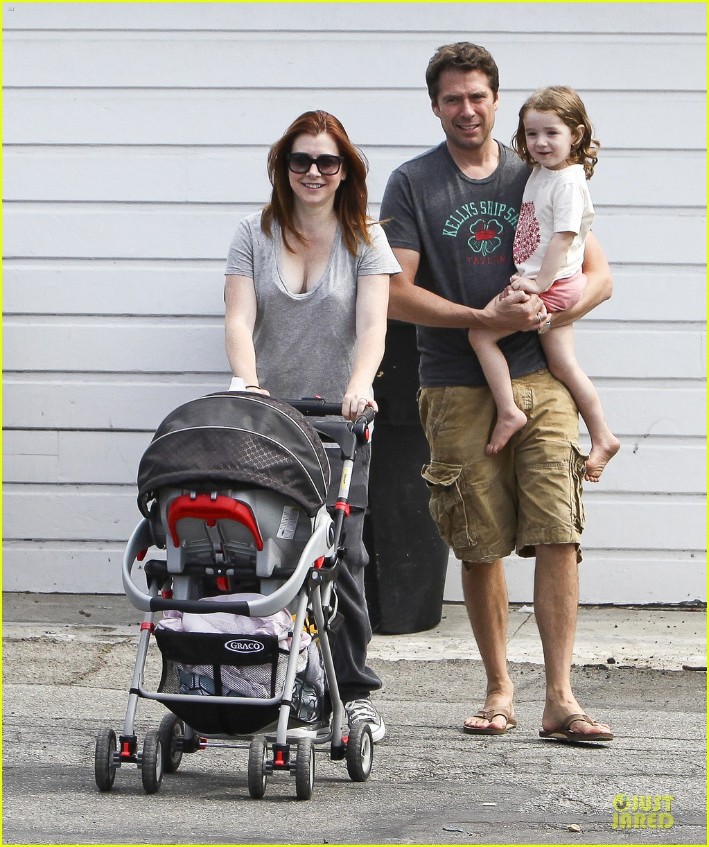 alyson hannigan santa monica fun with the family 15
