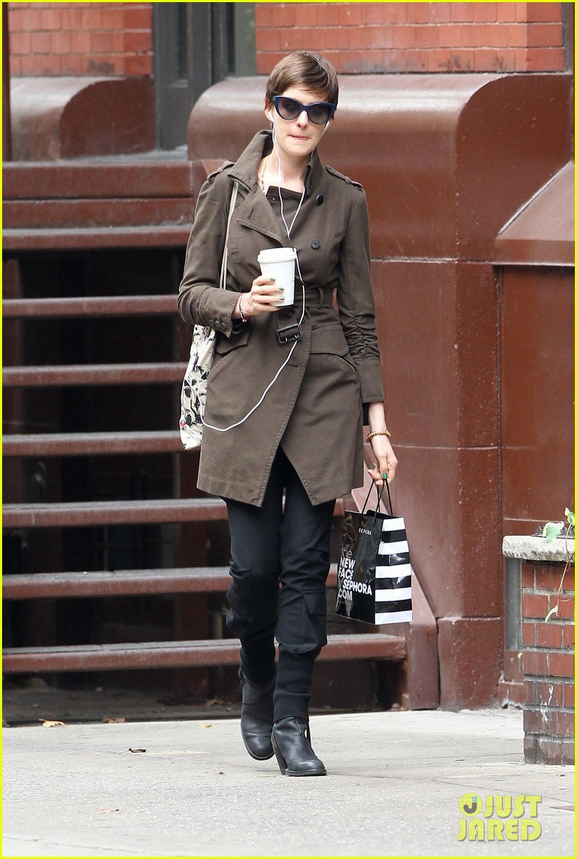 anne hathaway adam shulman coffee dog walk 062745063