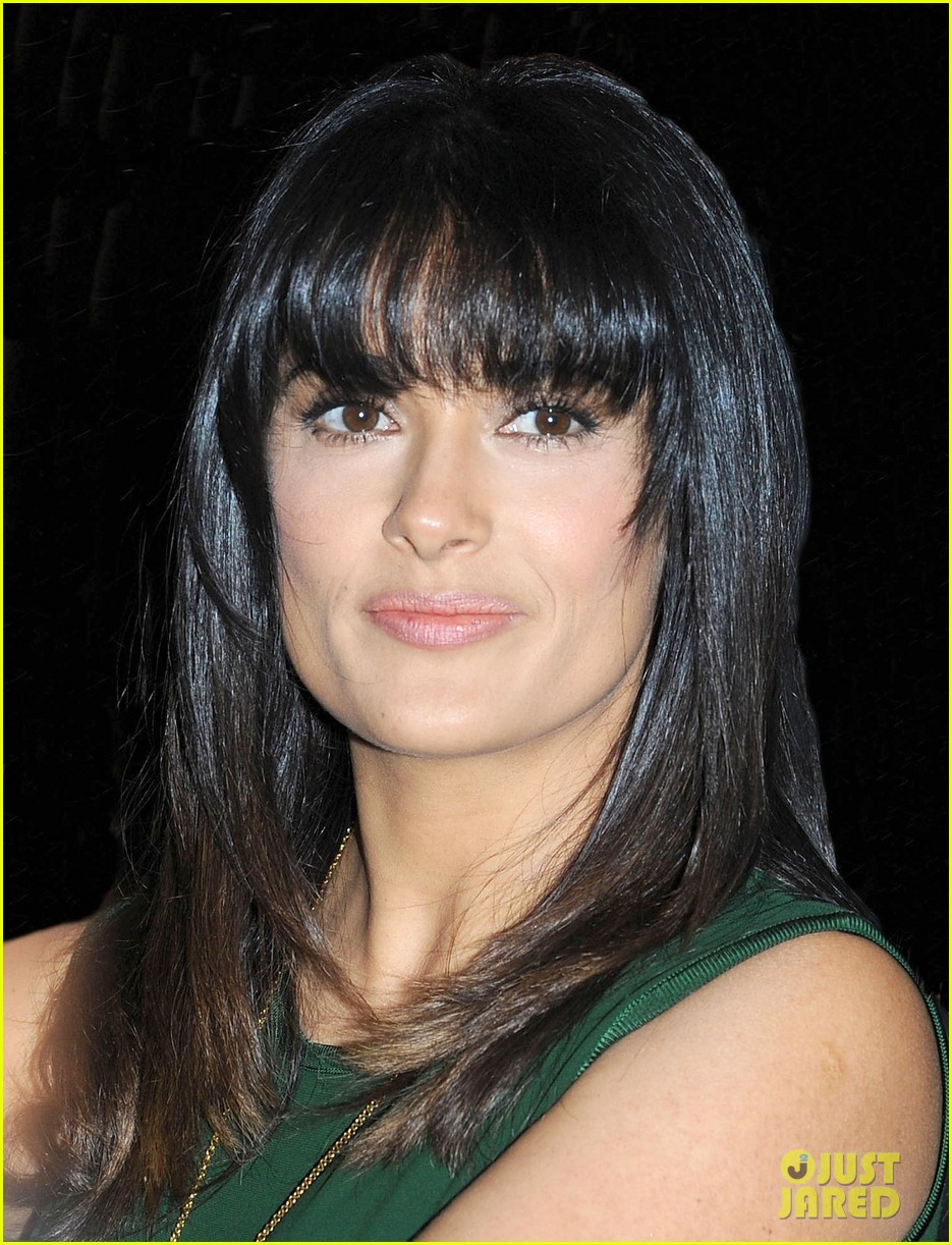 salma hayek shorter bangs 04