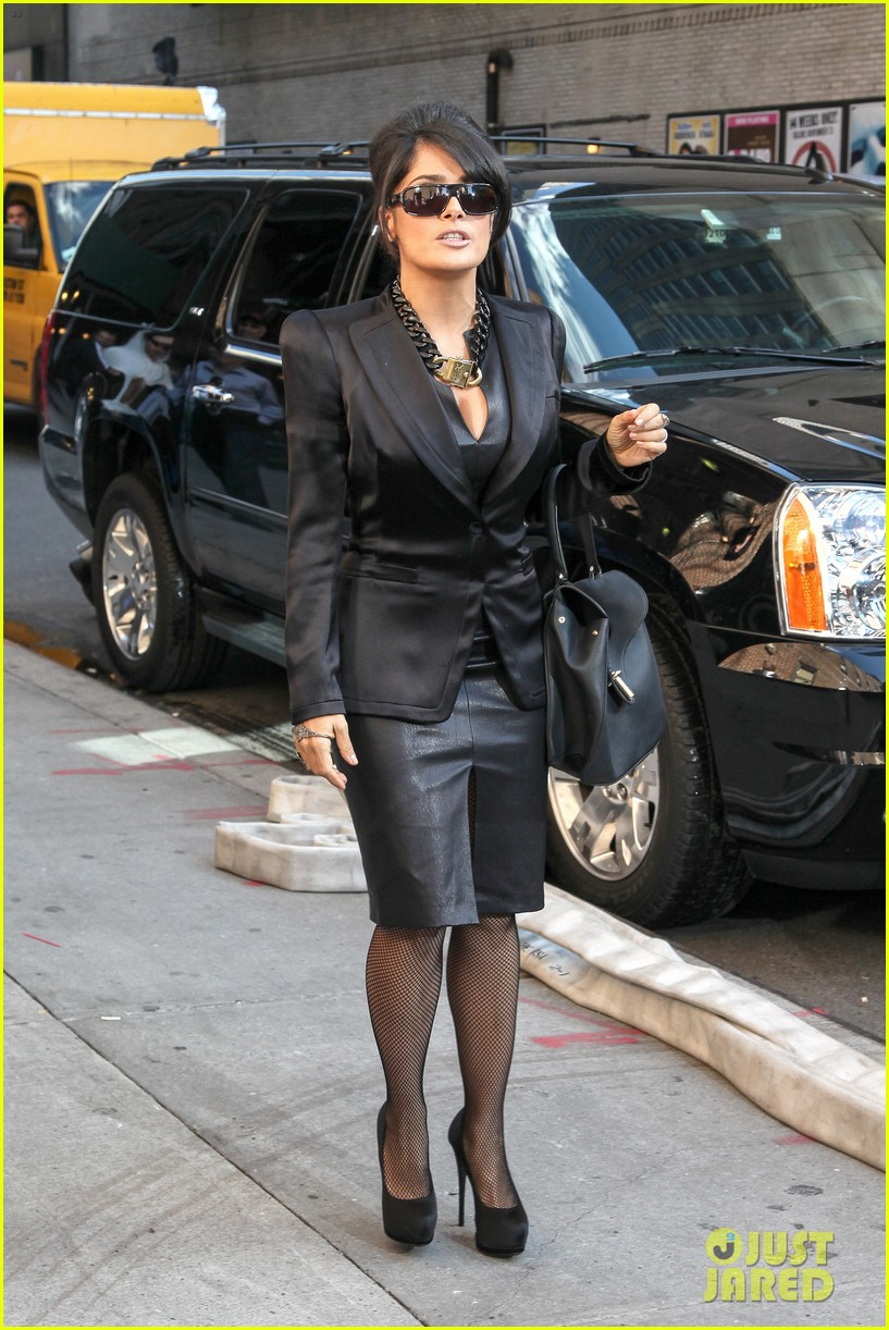 salma hayek late show with david letterman guest 14