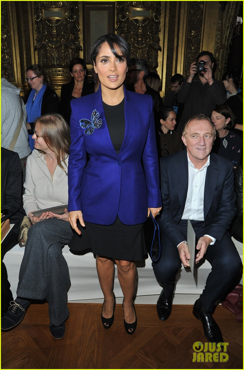 salma hayek stella mccartney paris fashion week show 02