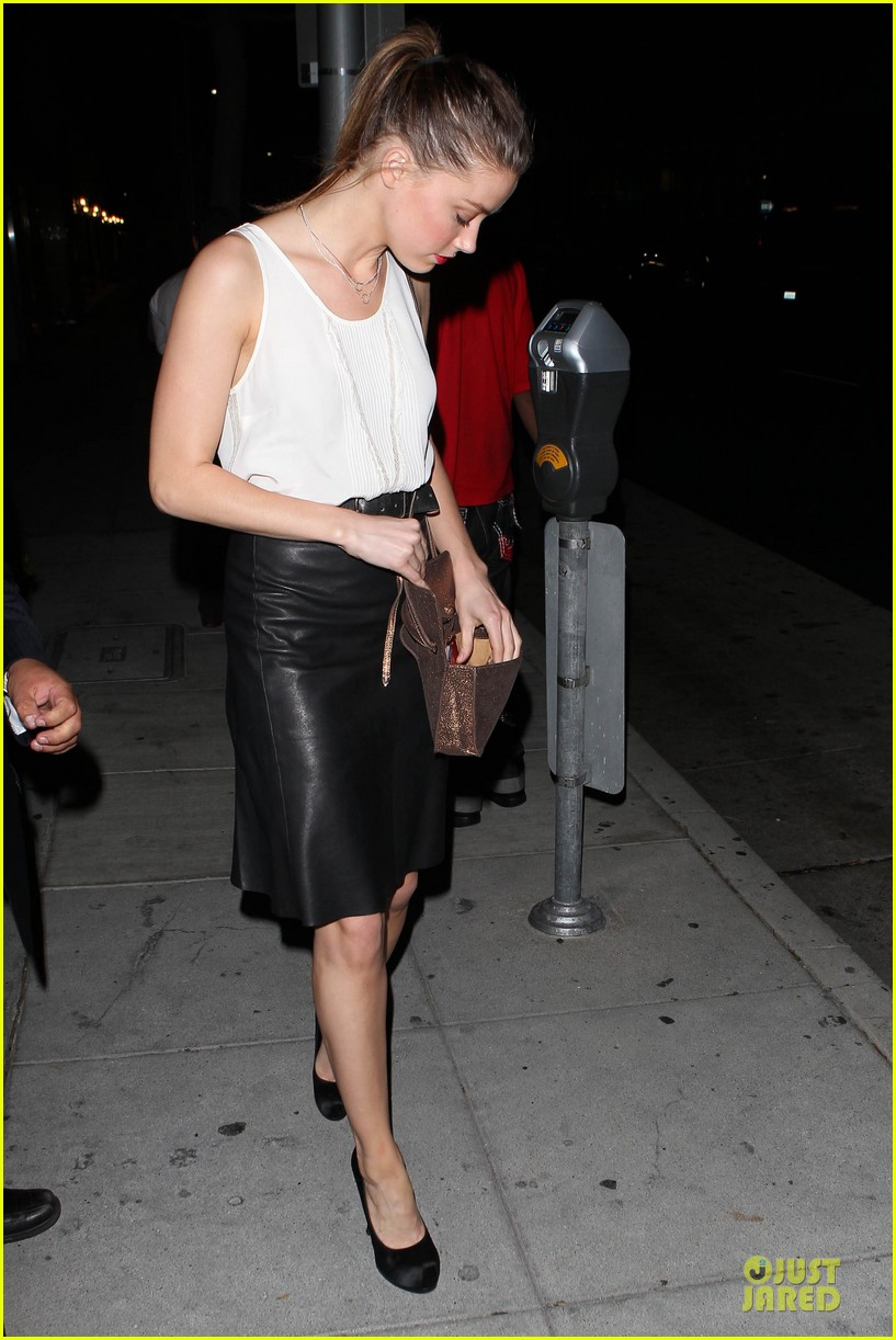 amber heard mr.chow restaurant stop 07
