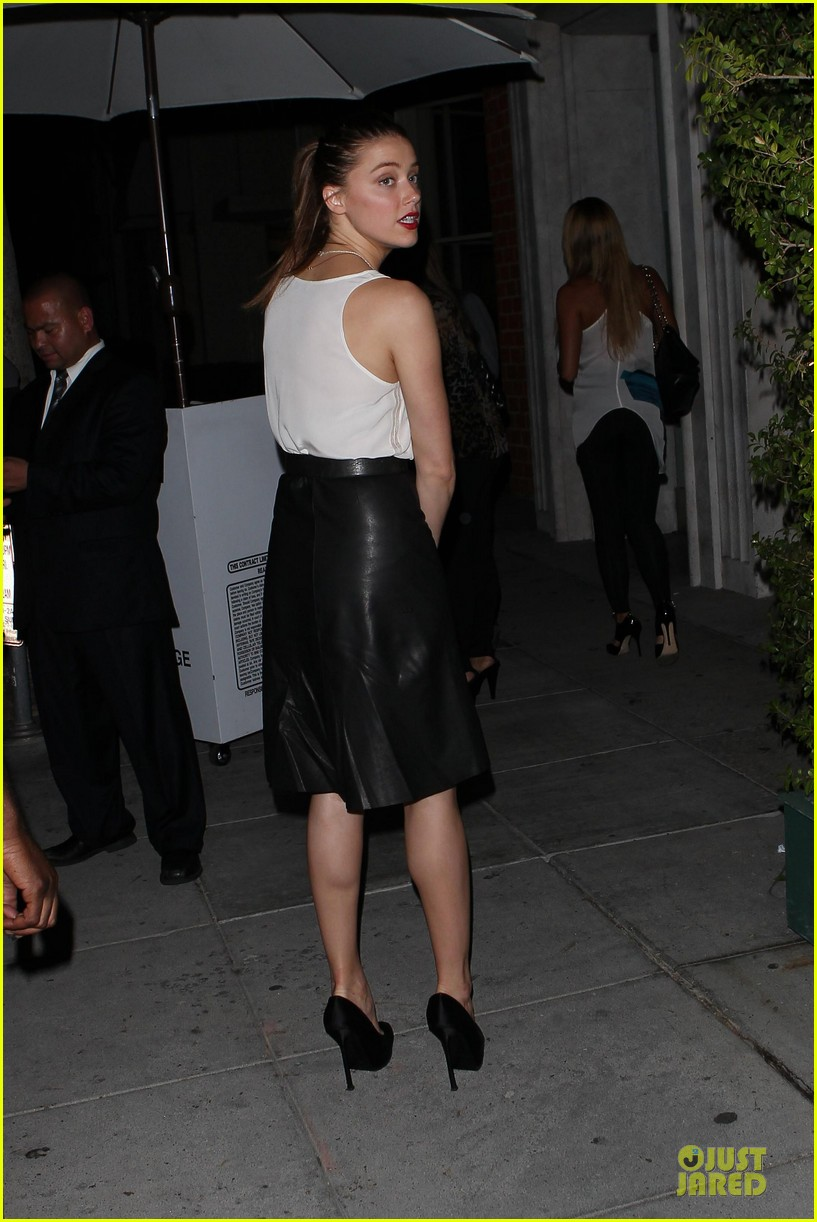 amber heard mr.chow restaurant stop 09
