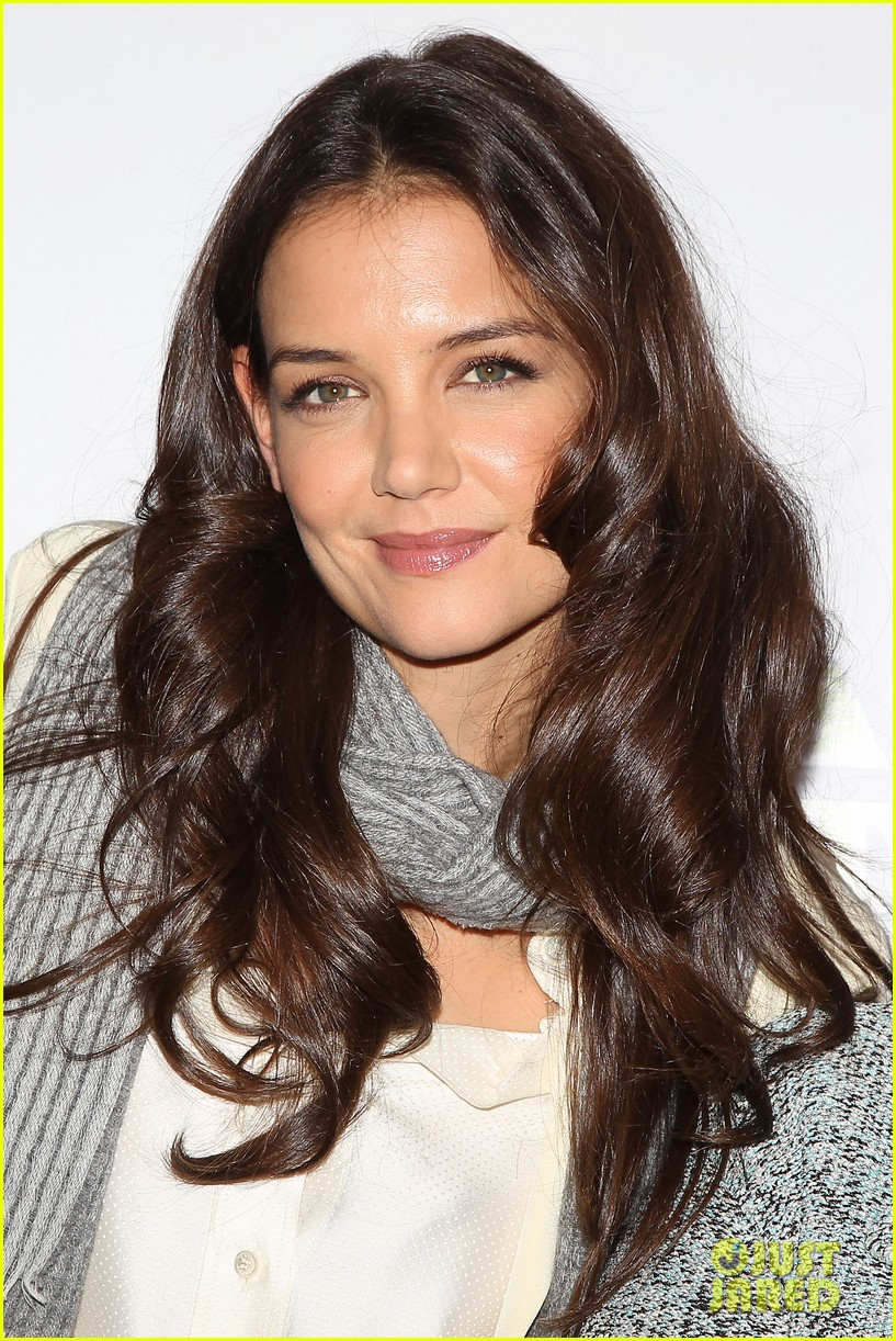 katie holmes dead accounts broadway photo call 312737125