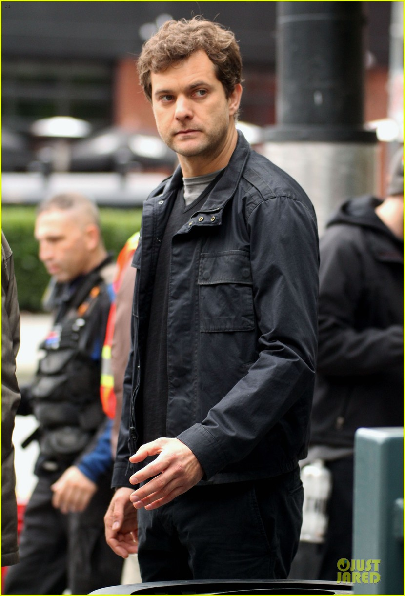 joshua jackson streches on fringe set 172739079