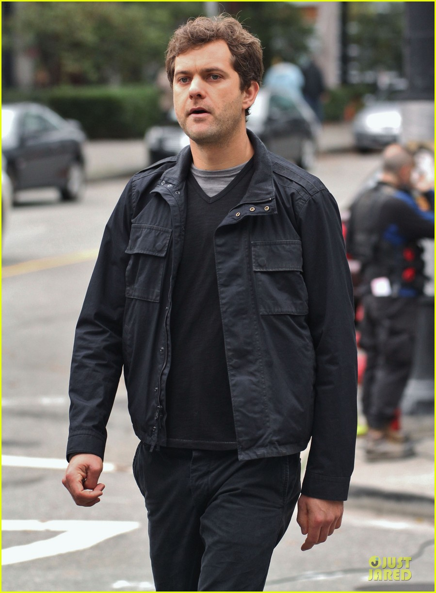 joshua jackson streches on fringe set 19