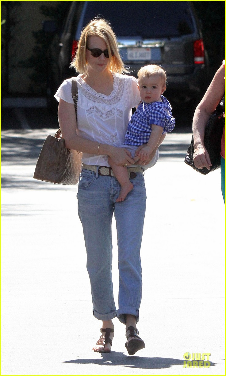 january jones boutique shopping with xander 05