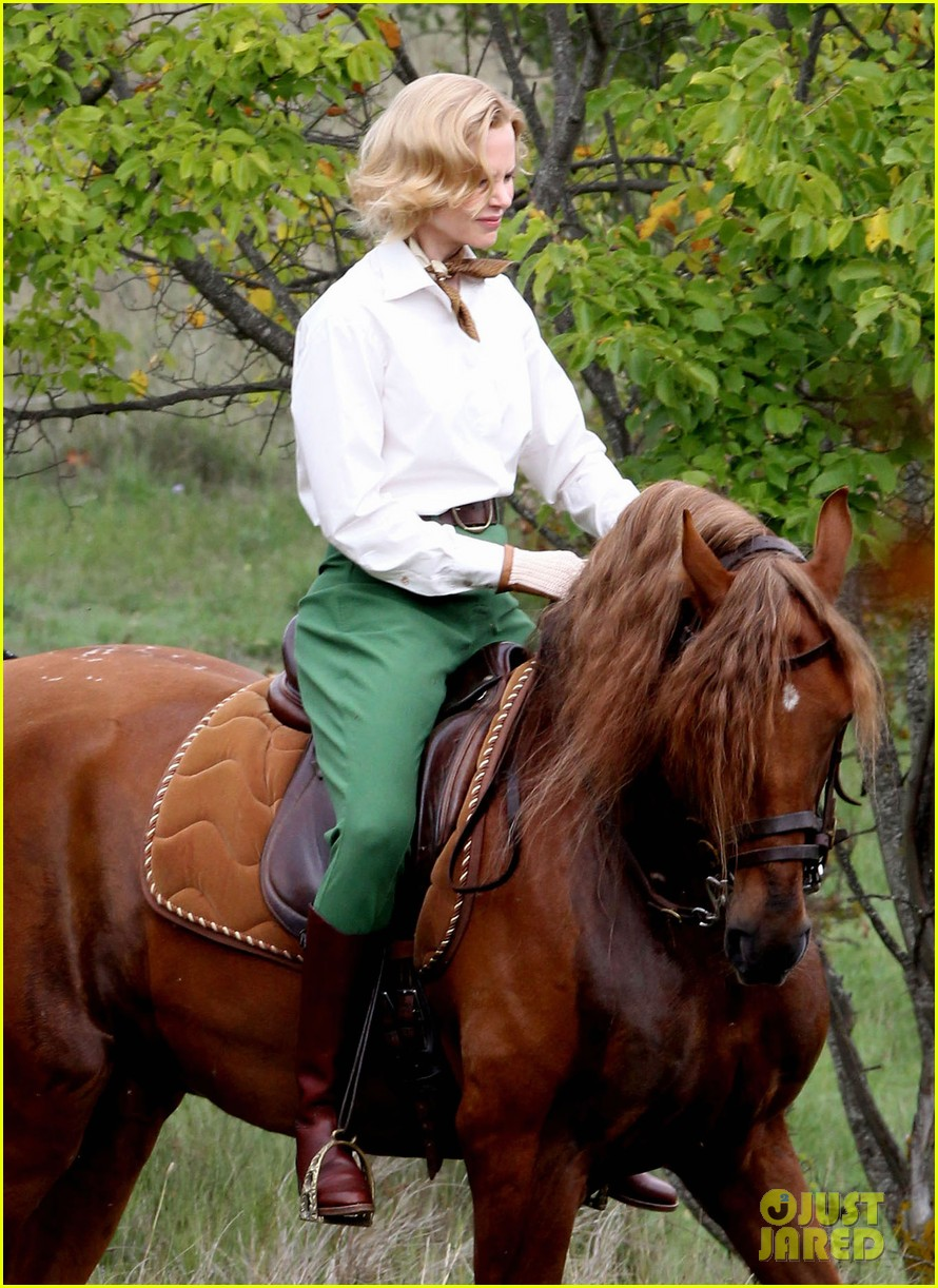 nicole kidman horseback riding for grace kelly 11