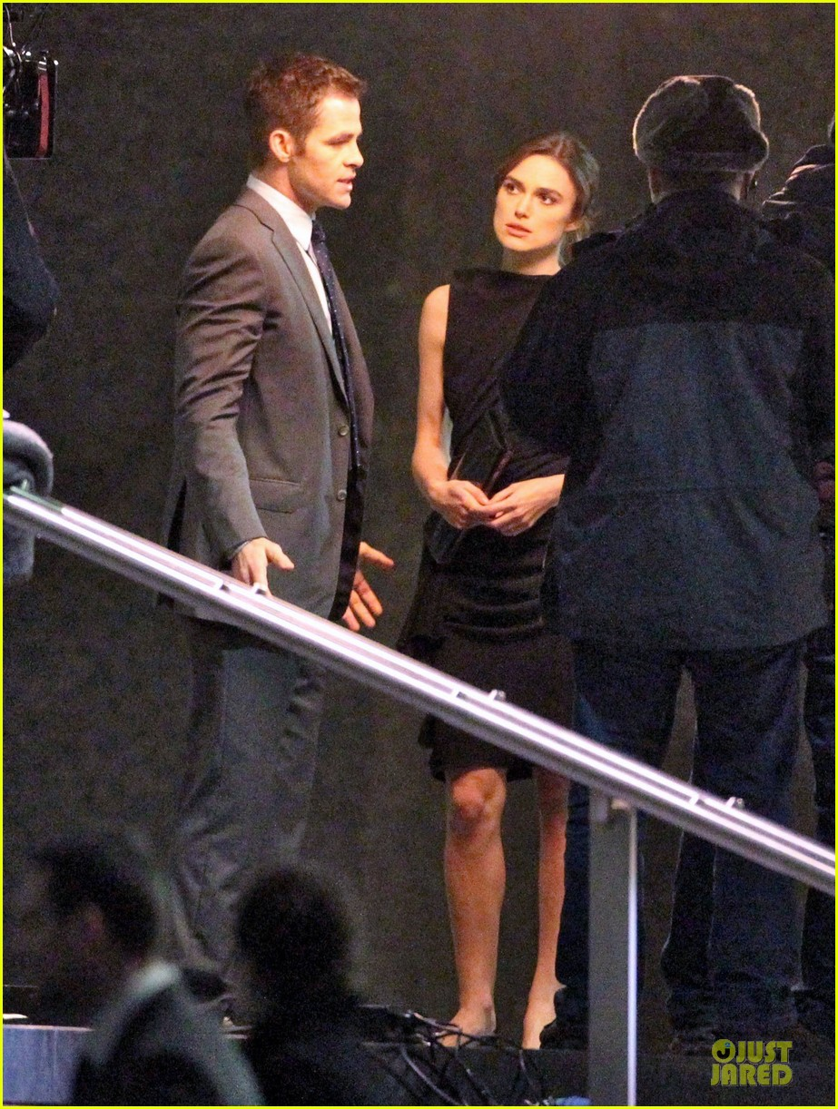 keira knightley chris pine kissing scene jack ryan set 09