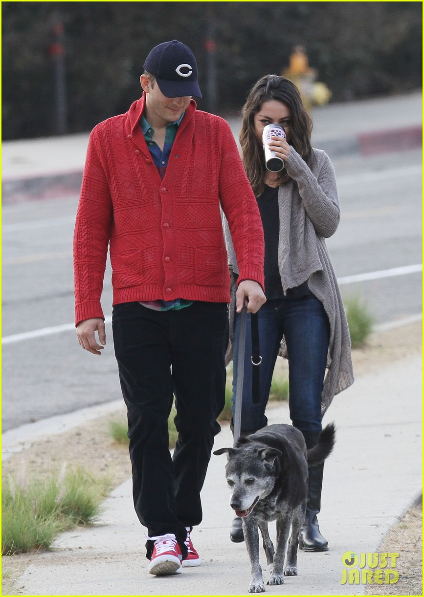 ashton kutcher mila kunis monday morning dog walk 15