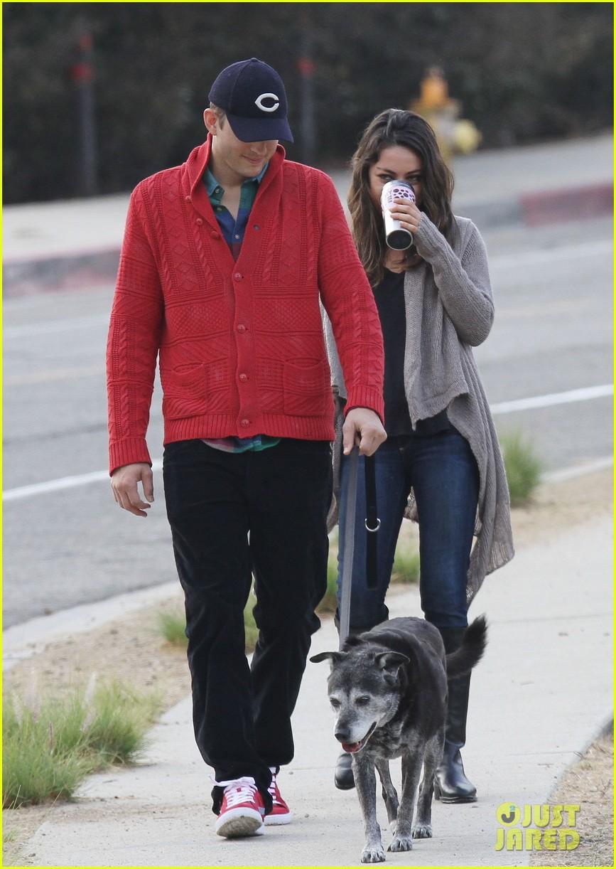 ashton kutcher mila kunis monday morning dog walk 152742737