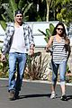 ashton kutcher mila kunis iced coffees to go 09
