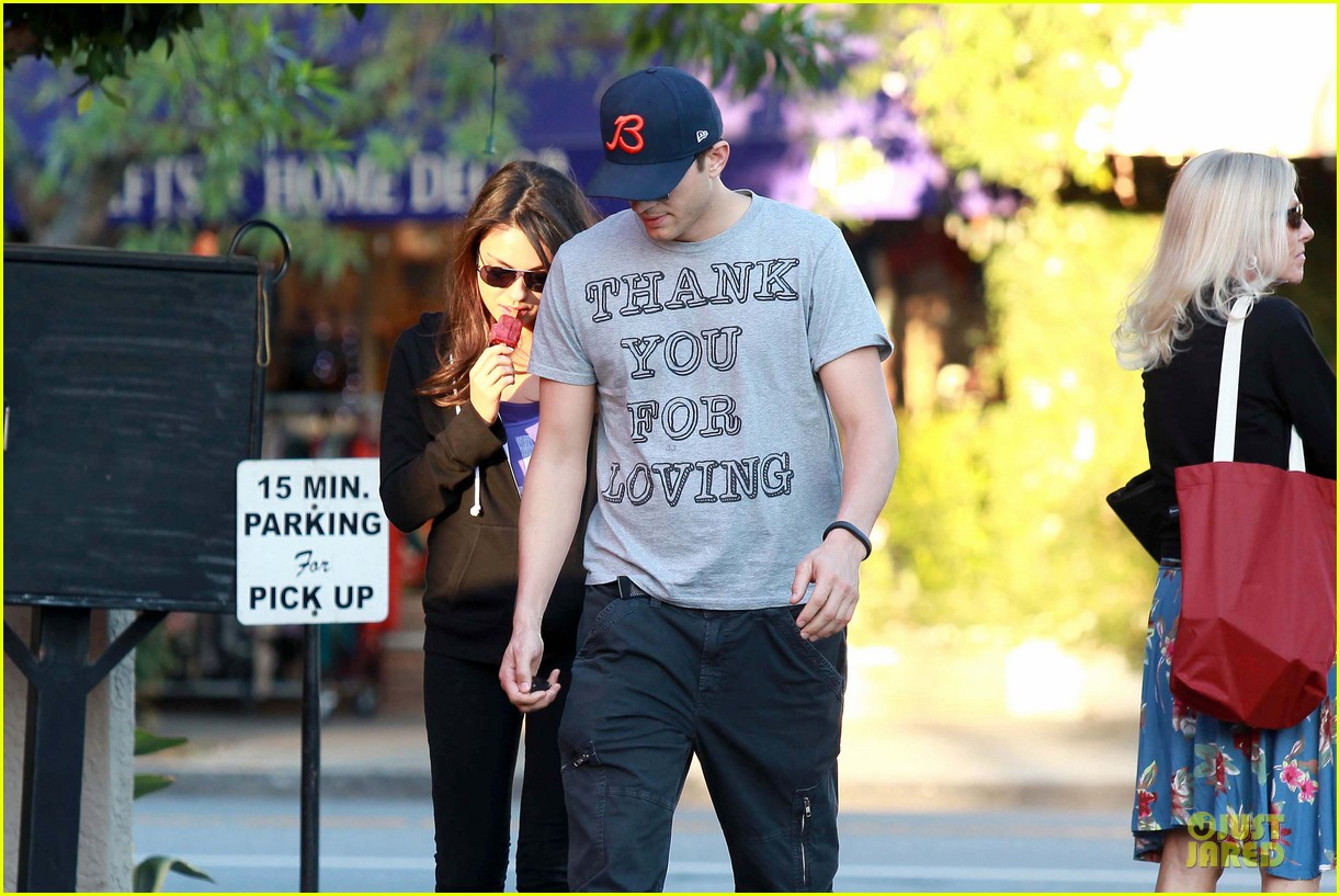 ashton kutcher mila kunis thank you for loving each other 05