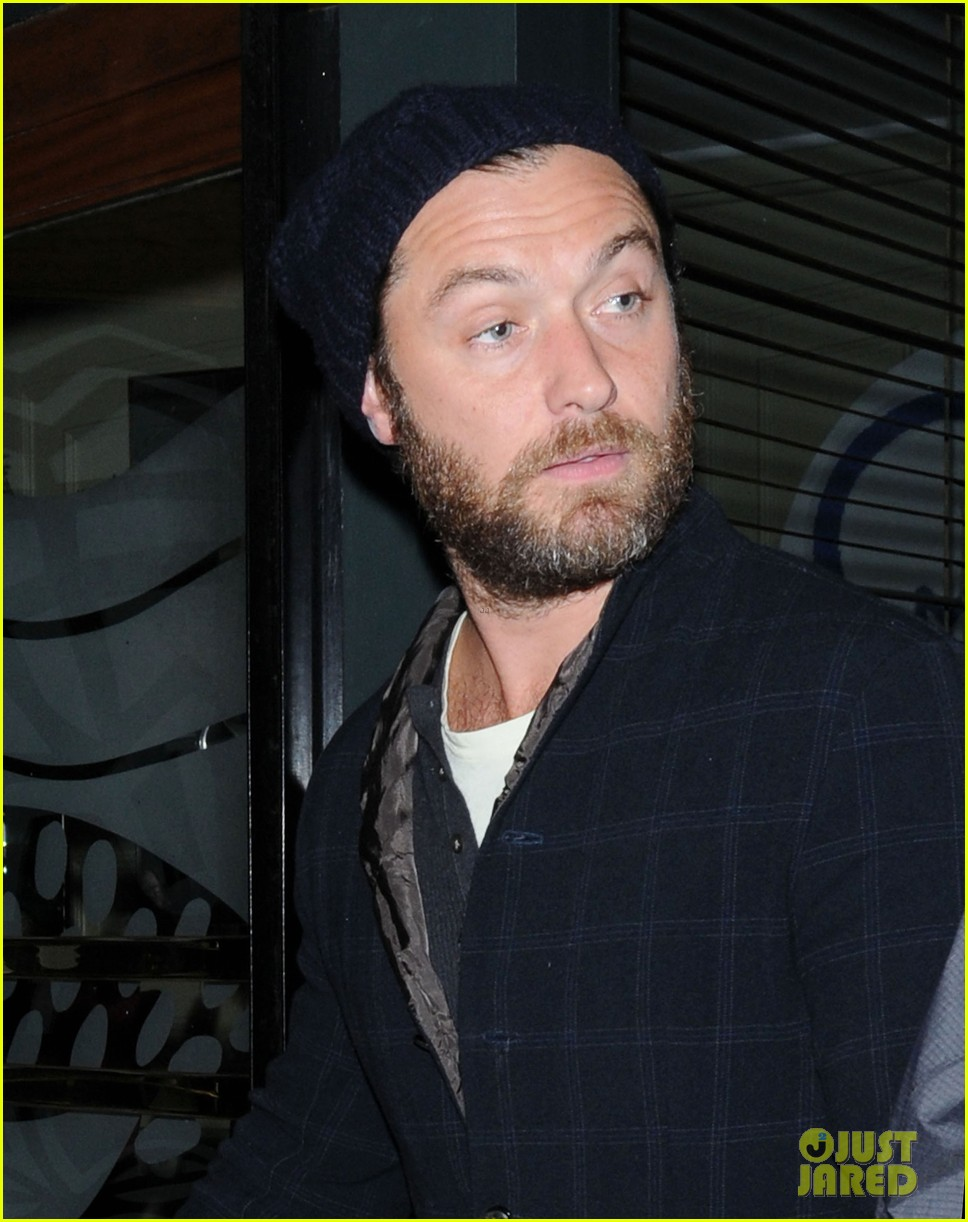 jude law set to present turner prize 2012 02