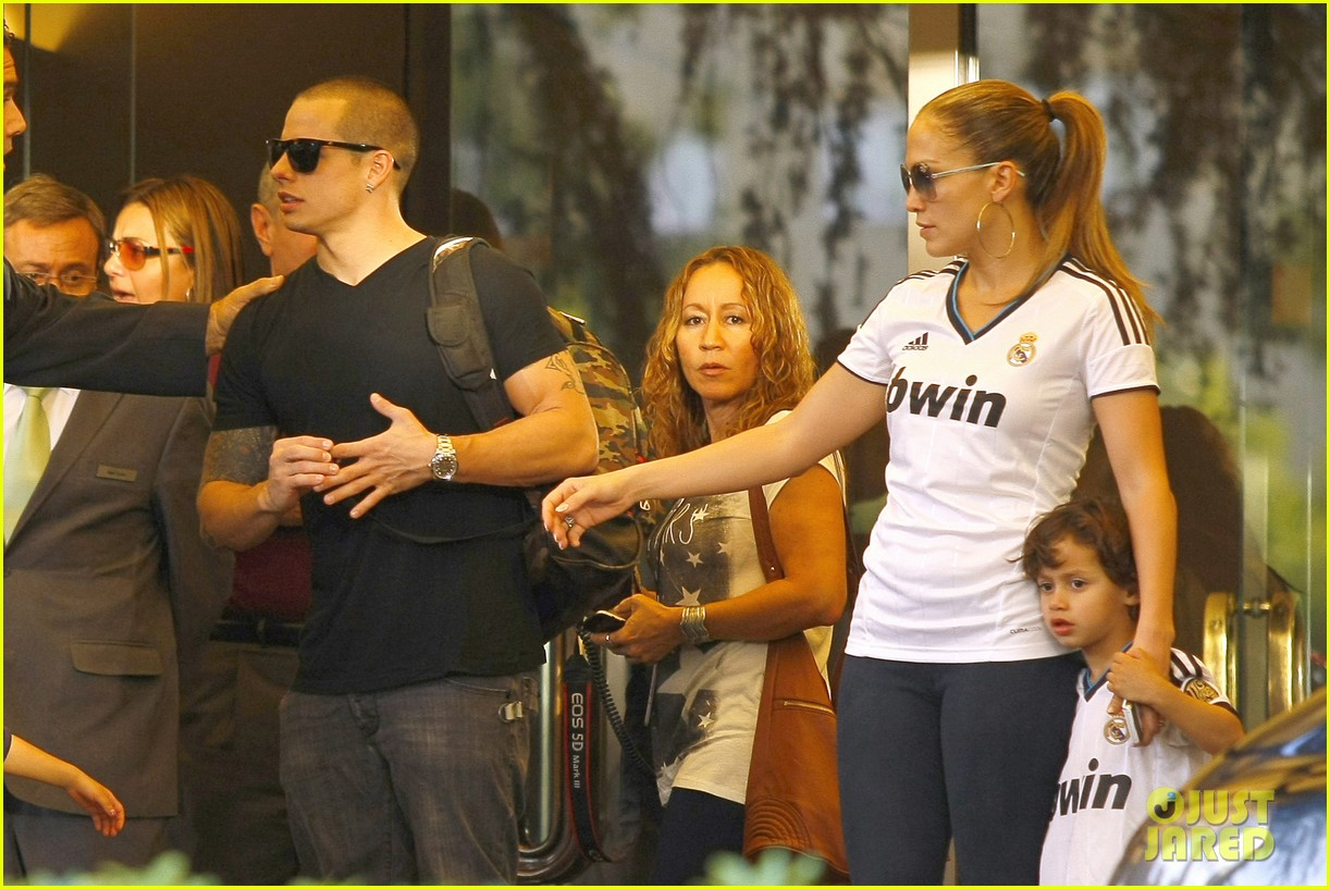 jennifer lopez max emme goodbye madrid 03