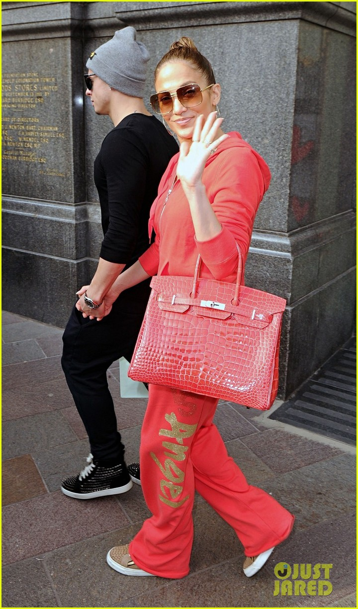 jennifer lopez harrods shopping spree with casper smart 14