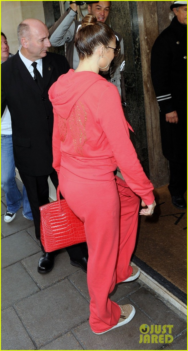 jennifer lopez harrods shopping spree with casper smart 15
