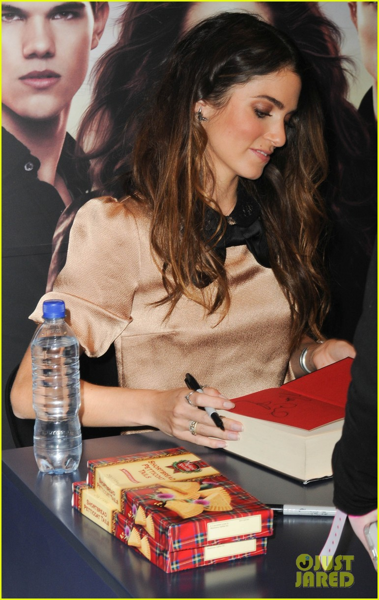 kellan lutz nikki reed glasgow autograph signing 15