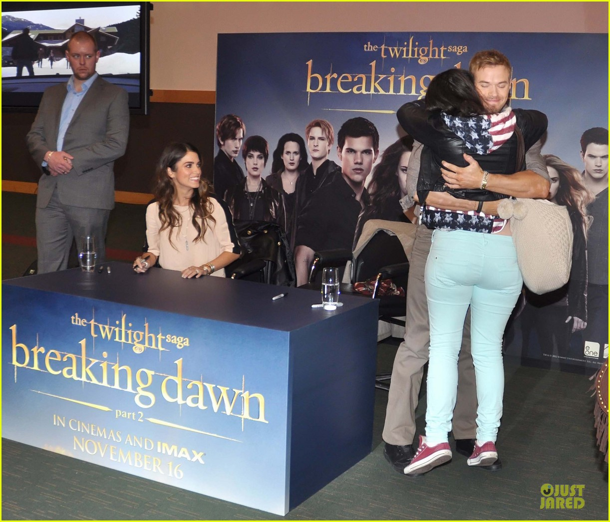 kellan lutz nikki reed twilight saga breaking dawn signing session 052746182