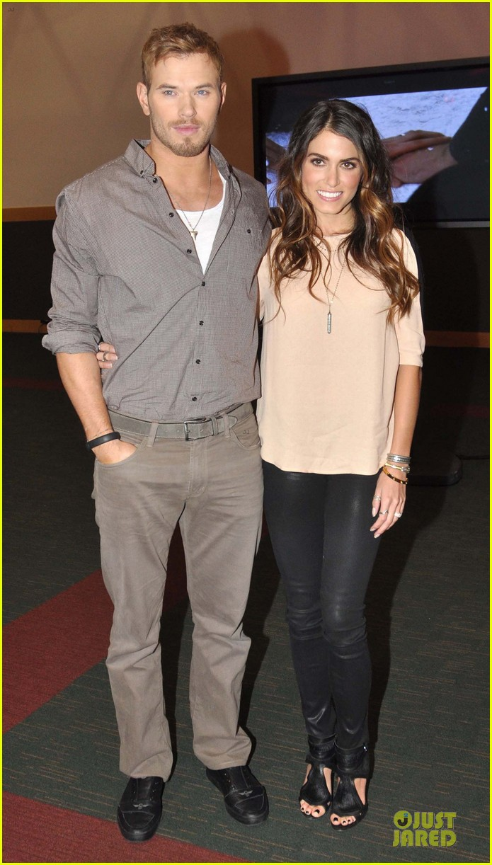 kellan lutz nikki reed twilight saga breaking dawn signing session 072746184