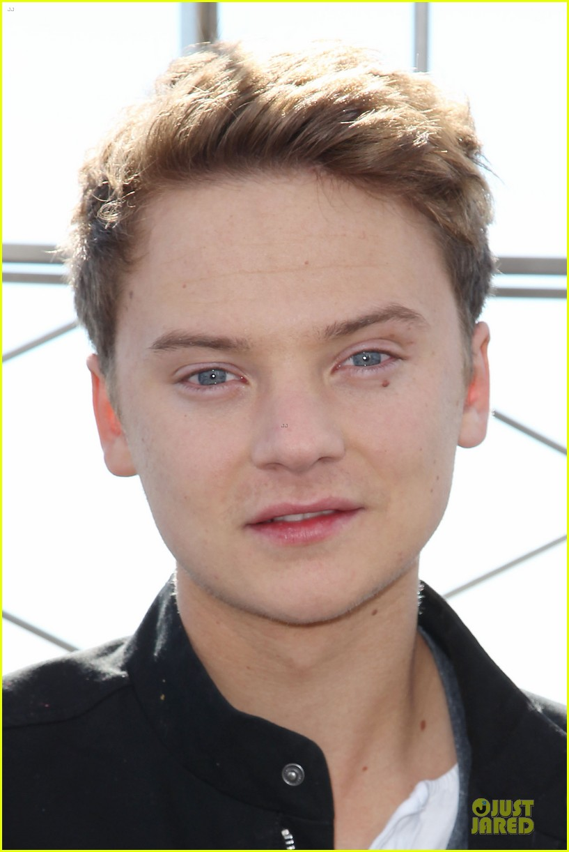 conor maynard tops empire state building 06