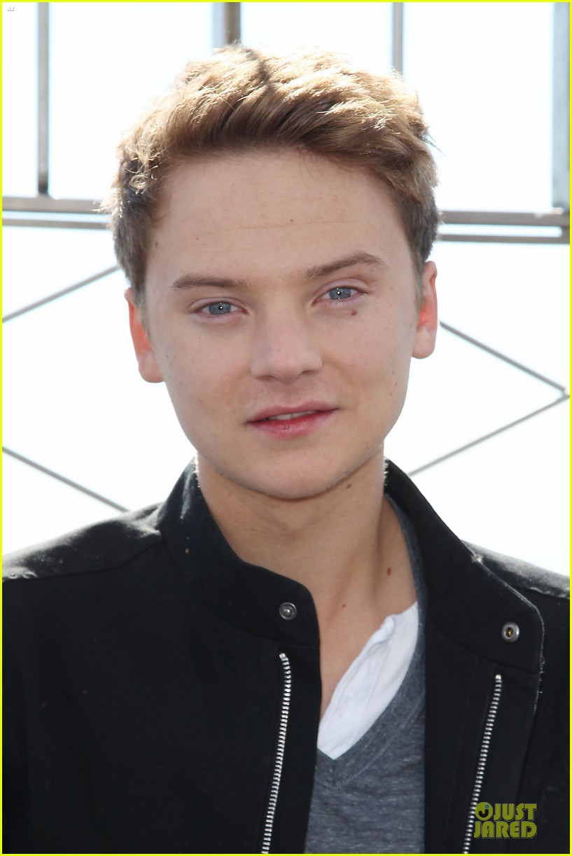 conor maynard tops empire state building 07