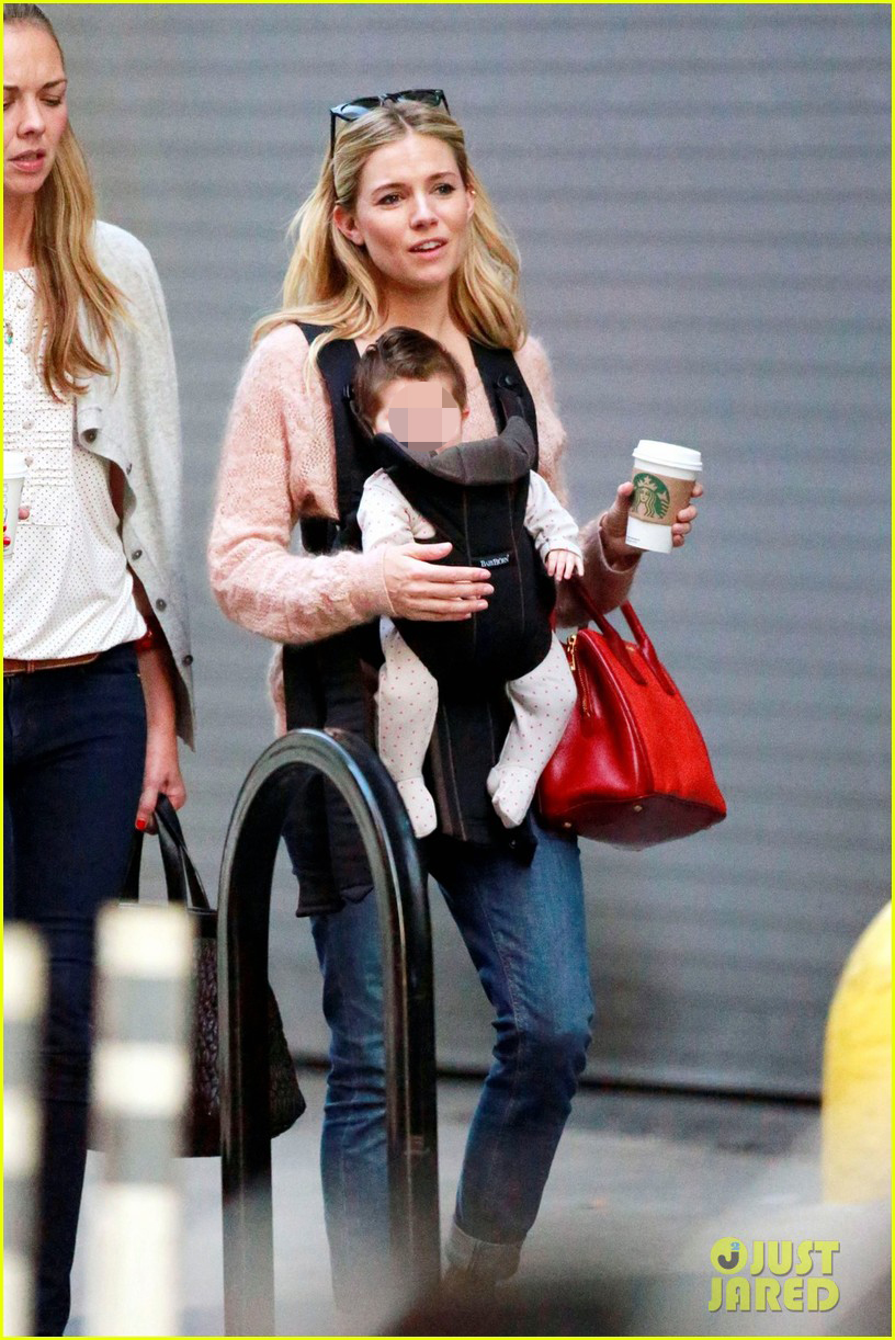 sienna miller coffee run with baby marlowe 01