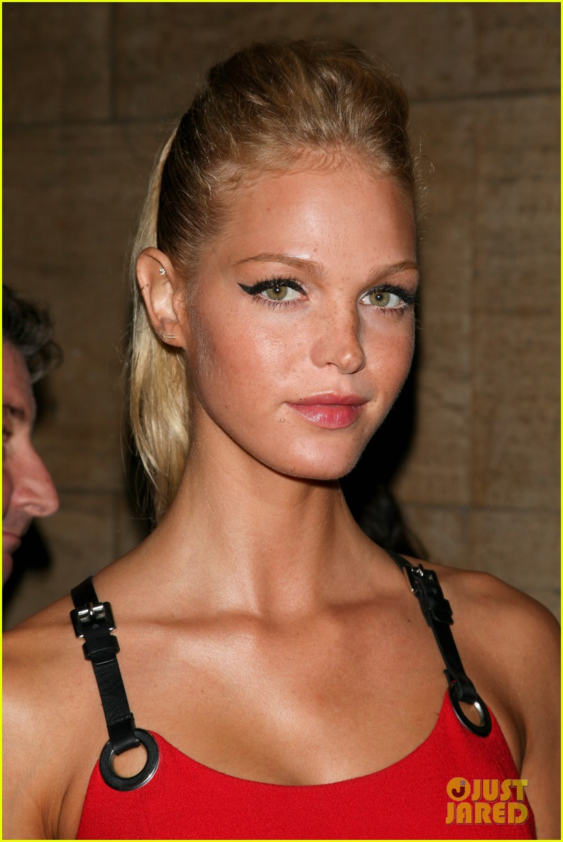 olivia munn erin heatherton gods love we deliver gala 162738833