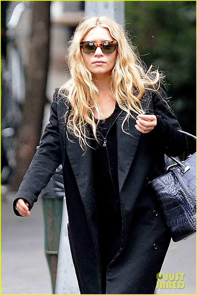 ashley olsen soho stroll 022733523