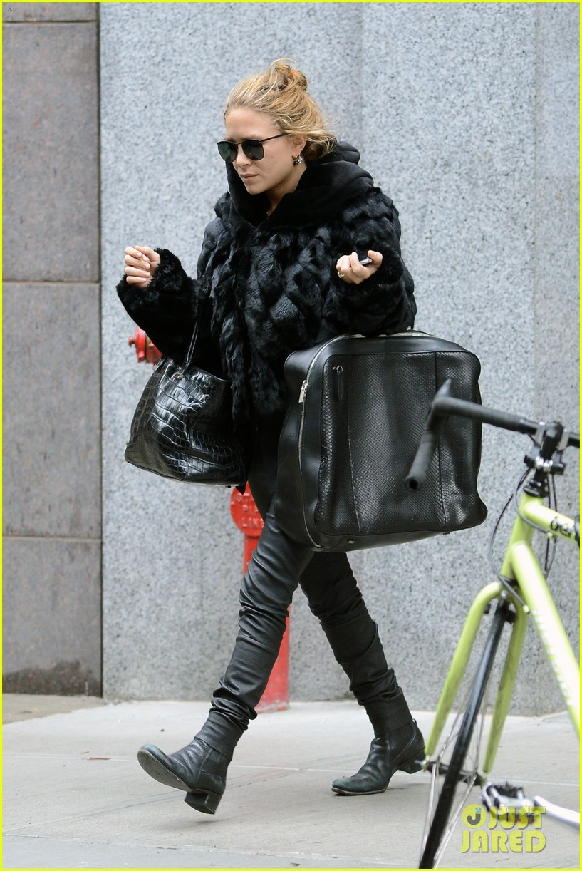mary kate ashley soho shoppers 01