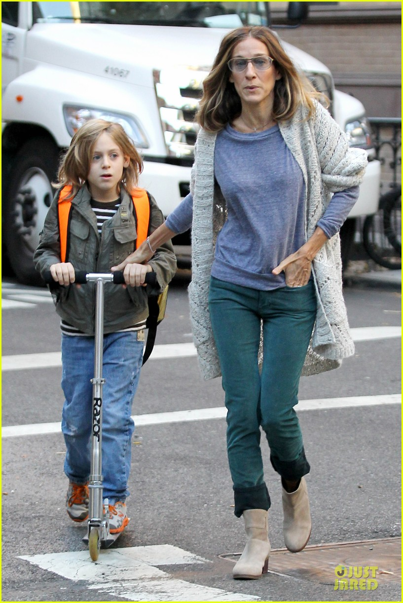 sarah jessica parker school walk with james marion tabitha 03