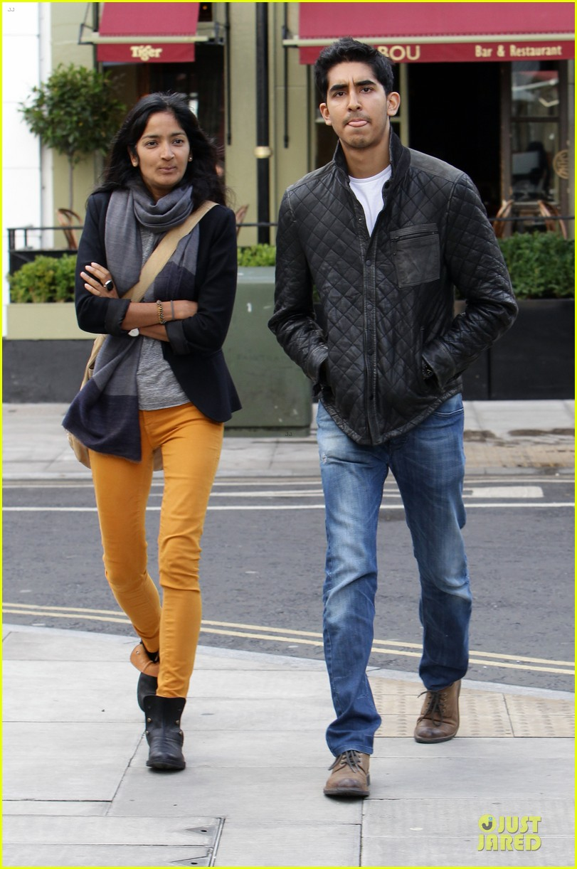 dev patel london stroll with gal pal 04