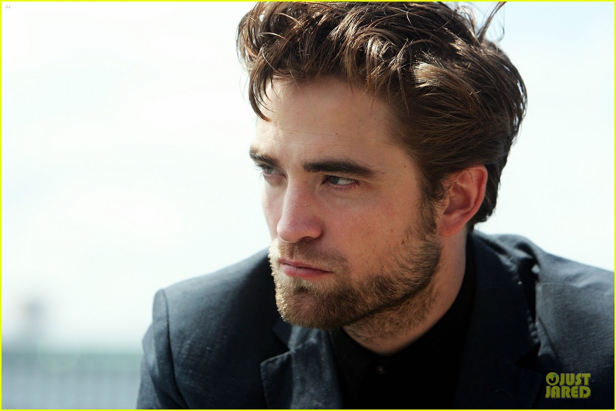 robert pattinson twilight breaking dawn part two photo call in australia 14