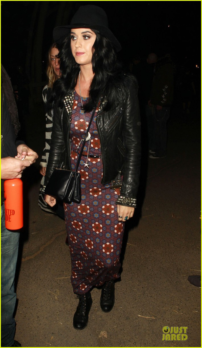 katy perry haunted hayride vip premiere night 01