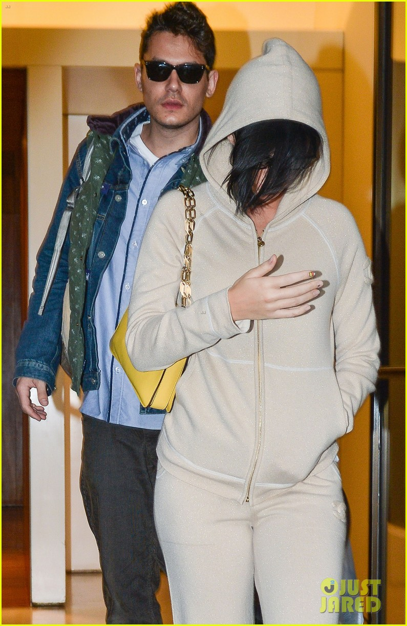 katy perry low key apartment exit with john mayer 08